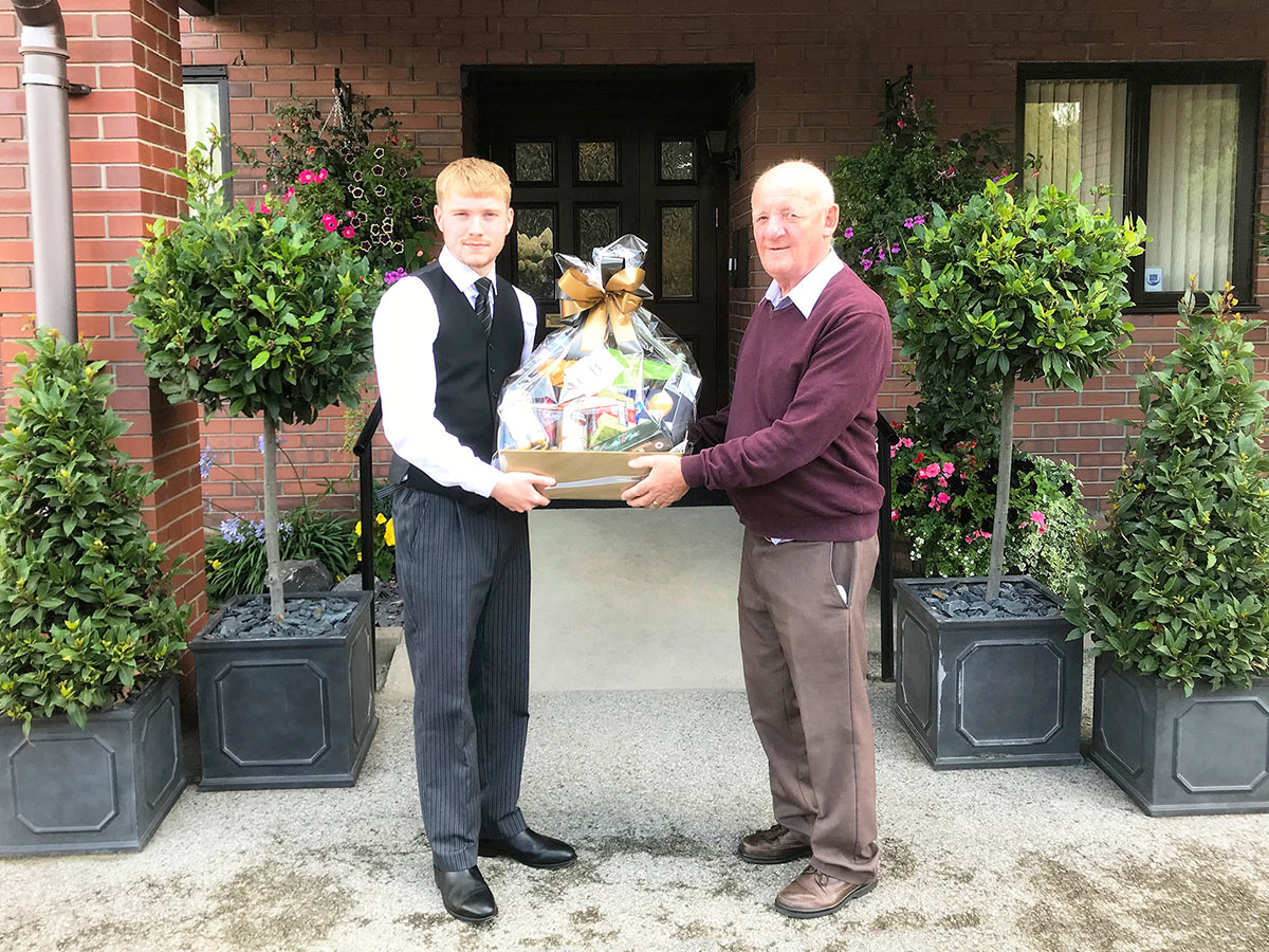 Beck presents a hamper to The Elms Care Home (13th August 2019)