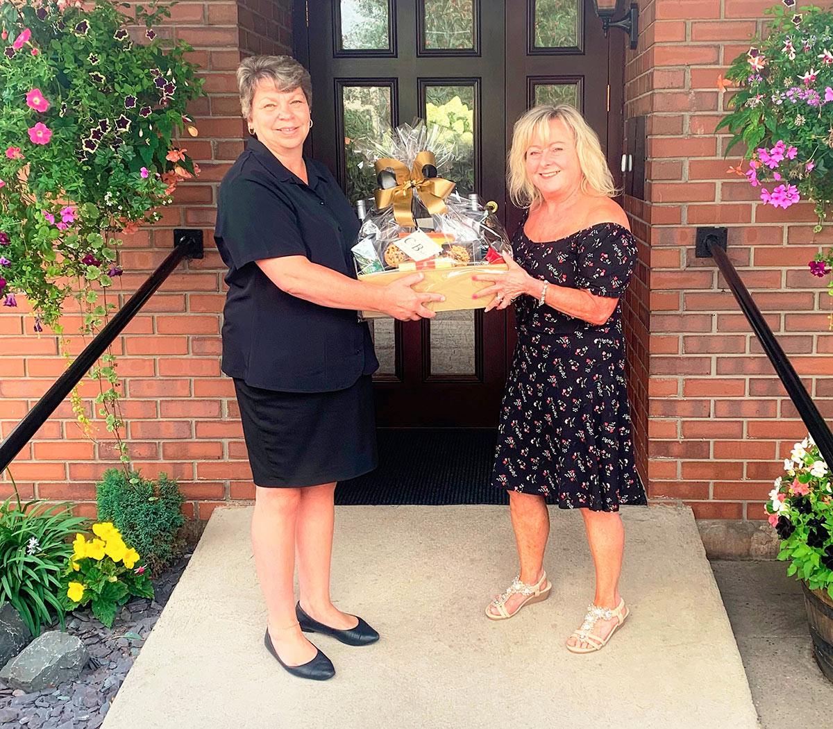 Serena presents a hamper to the Mind Charity (2nd August 2019)